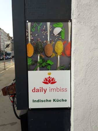 daily Imbiss: Entrance of Restaurant