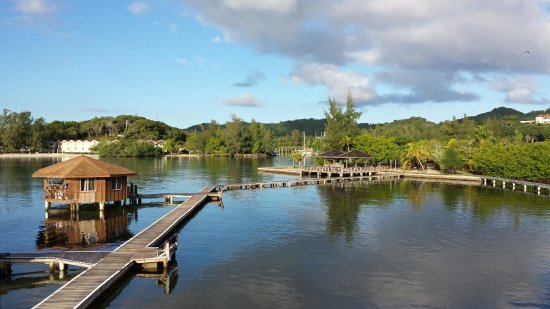 CoCo View Resort: small harbor where the dive boats are kept