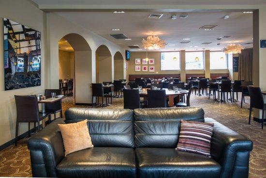 Moonah, Australia: lounge & restaurant area