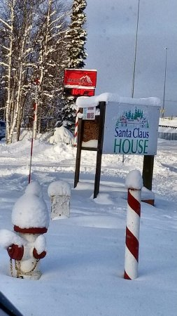 Santa Claus House: The sign by the street.