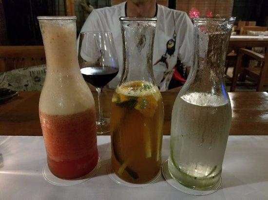 Dauis, Philippines: big drink!