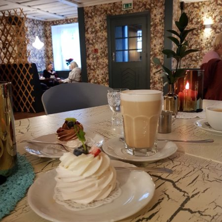 Cozy place in the middle of the old center of Kuldiga. Great coffee and delicious cakes.