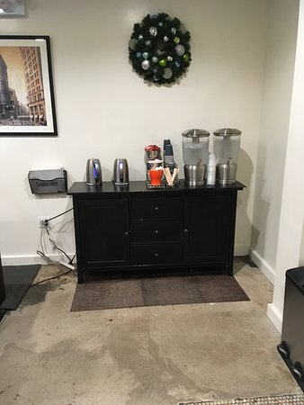 The Evelyn: Tea & coffee facilities