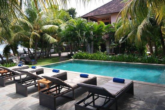 Пемарон, Индонезия: Swimming pool