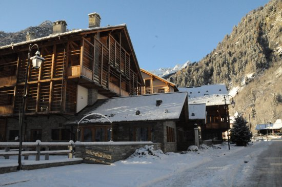 alagna valsesia single guys The valley's last village, alagna valsesia, is an ancient swiss-walser settlement   get to the heart of varallo & the valsesia with one of lonely planet's in-depth,.