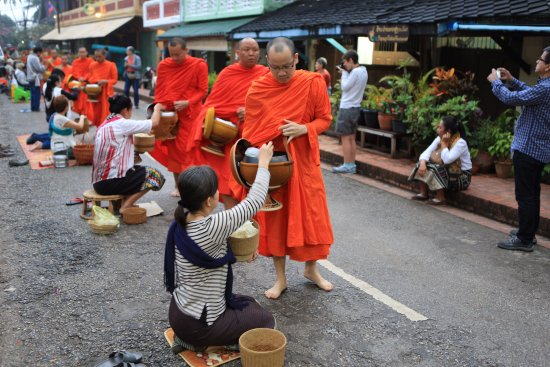 Alms Giving Ceremony: Morning Alms 5:30 am - 6:45 am