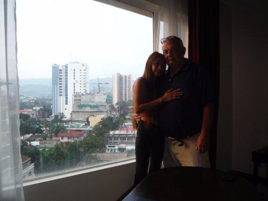 Hotel Elizabeth Cebu : nice views from room and hall windows