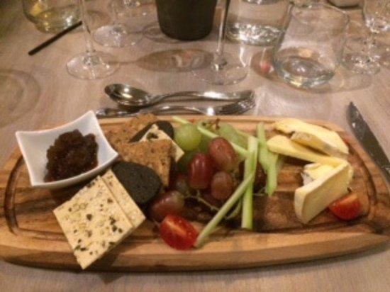Bampton, UK: Cheese Board