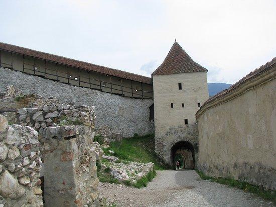 Rasnov, Romania: Dziedziniec zamku #2