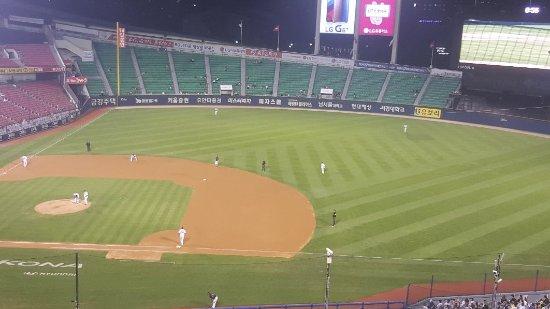 Jamsil Baseball Stadium: 20170720_214956_large.jpg