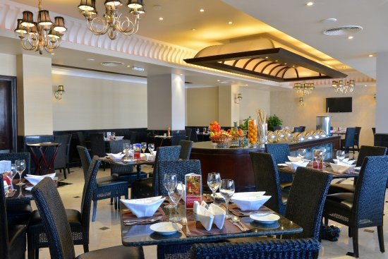 Buffet breakfast at le jardin restaurant foto le jardin for Cafe jardin menu