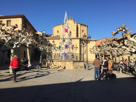 Elciego, Spanien: Plaza Mayor