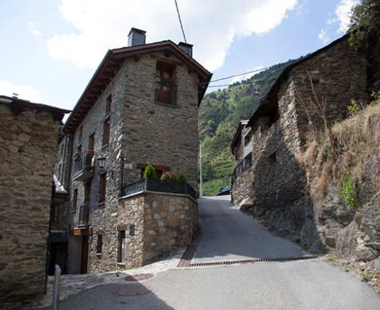 Encamp, Andorra: getlstd_property_photo