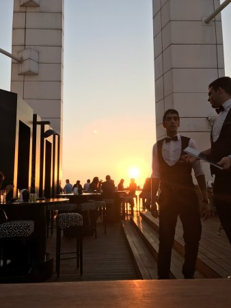 Four Seasons Hotel Beirut: Rooftop bar