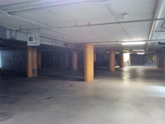 Garage sotterraneo bild von hotel ristorante i castelli - Garage sotterraneo ...