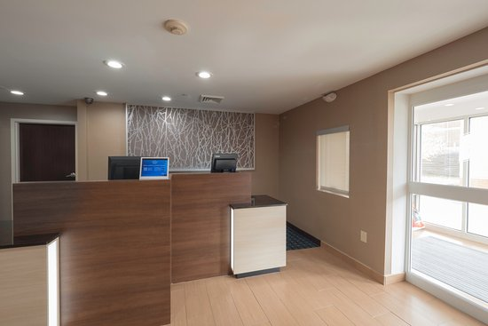 Newly Renovated Front Desk Picture Of Fairfield Inn Suites Cleveland Streetsboro Tripadvisor
