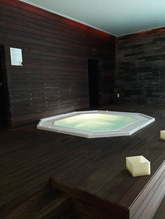 Palace Hotel Monte Real: jacuzzi