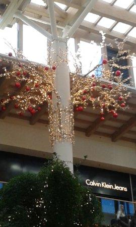 Decorazioni natalizie foto il centro arese tripadvisor - Decorazioni natalizie moderne ...