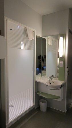 Bagno in camera (doccia e lavandino), stanzetta con wc a parte ...