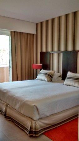 Monte da Quinta Resort : lit 2 mètres de large