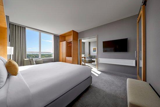 โรสมอนต์, อิลลินอยส์: One Bedroom Suite