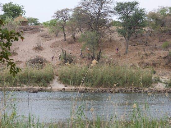 Rundu, Ναμίμπια: Angola across the Okavango