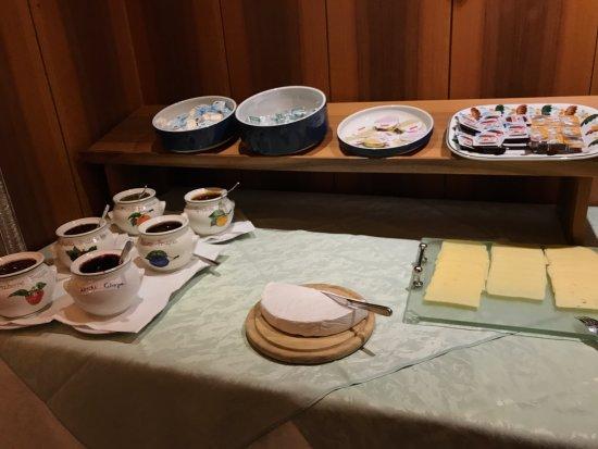 Piccolo Hotel Marlingerhof: colazione