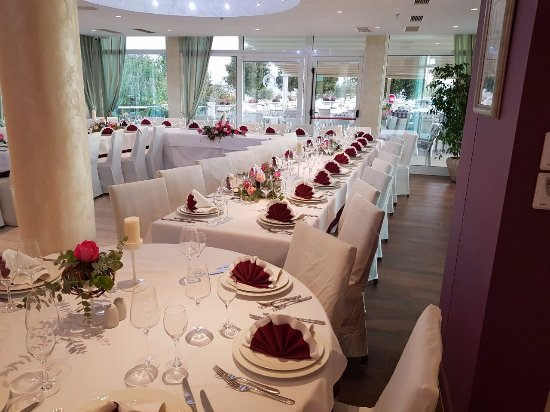 Restoran fanat split restaurant reviews phone number for Wedding anniversary trip ideas