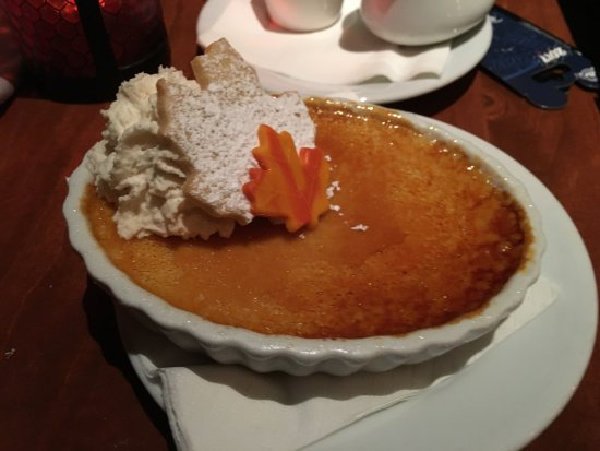 Maple creme brulee - Picture of Le Cellier Steakhouse ...