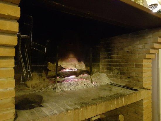 Castiglione in Teverina, Italia: Il caminetto della sala ristorante