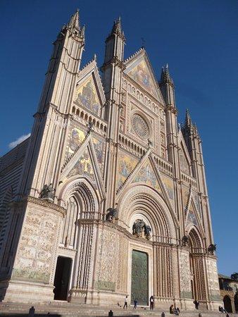 Duomo di Orvieto: Não deixe de visitar, reserve 2h