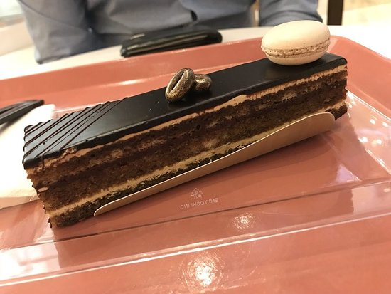 Oxon Hill, MD: Opera cake