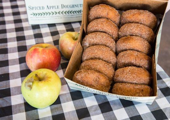 Nebraska City, NE: The addictive Apple Donuts!
