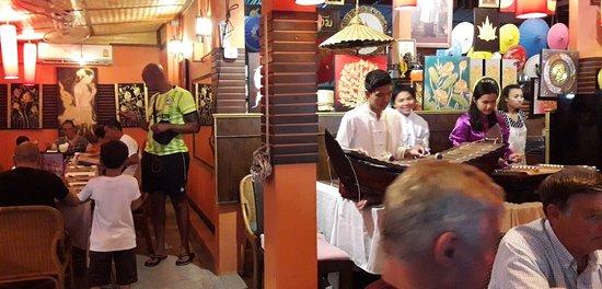 Sala Thai Art Gallery & Restaurant: Thai Classical.Music