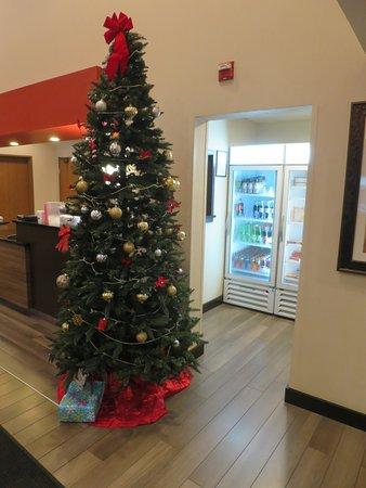 Milford, MA: lobby