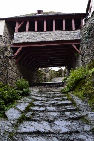 Marksburg: Interior del castillo. Escalera de piedra