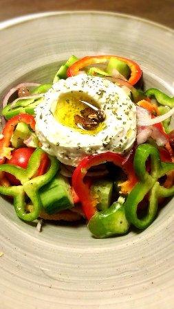 Stara Zagora, Bulgarien: #variation #greecesalad #fresh #vegetables #fetacheese