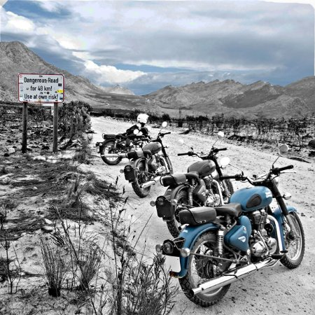 Royal Enfield Bike Tours & Rentals: Entrance to Die Hel (The road to hell!)