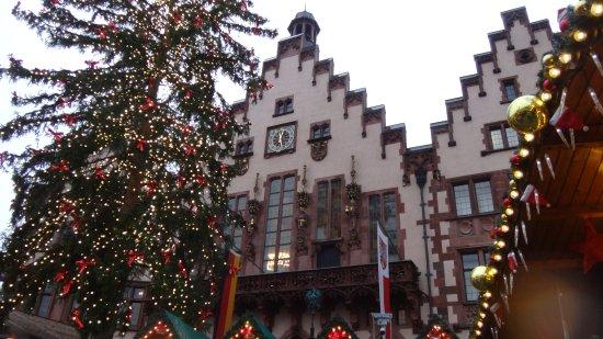 Weihnachtsmarkt Frankfurt Am Main.The Central Tree Bild Von Frankfurter Weihnachtsmarkt Frankfurt