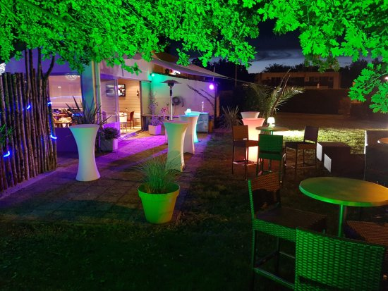 terrasse nuit foto di campanile bordeaux restaurant. Black Bedroom Furniture Sets. Home Design Ideas