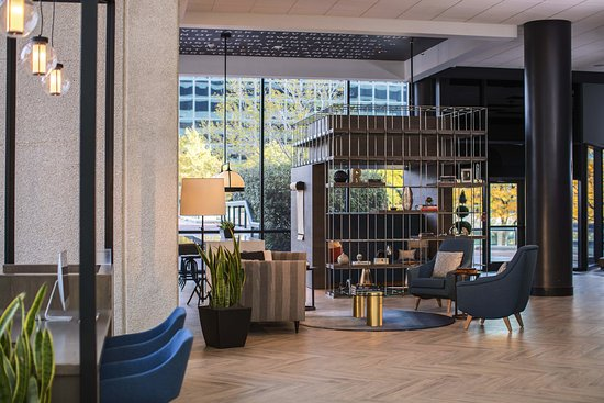 Lounge Seating A Perfect Place To Chat With Friends Picture Of Renaissance Toledo Downtown Hotel Tripadvisor