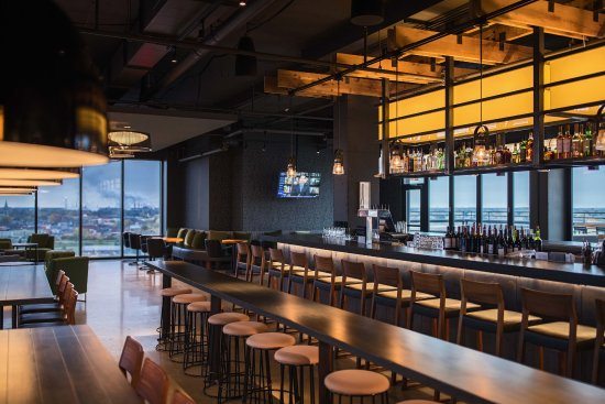 Renaissance Toledo Downtown Hotel The Heights Rooftop Bar