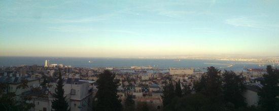 נמל חיפה: Haifa port from Sculpture Gardens