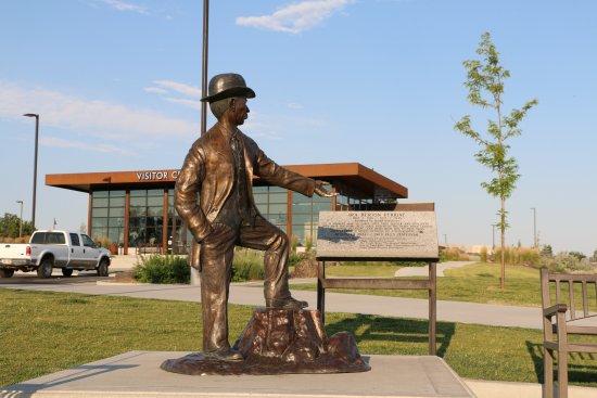Perrine Bridge: Sculpture of Ira Perrine