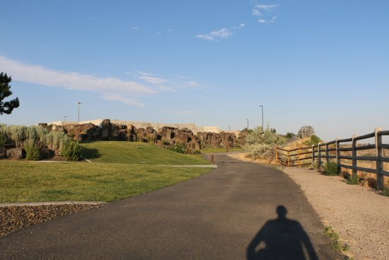 Perrine Bridge: Rim Trail