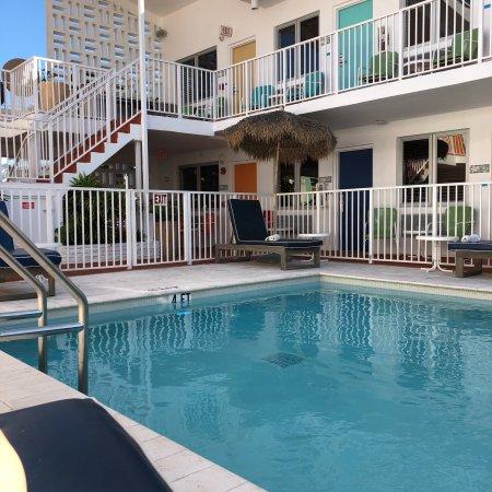 Beachside Apartment Hotel