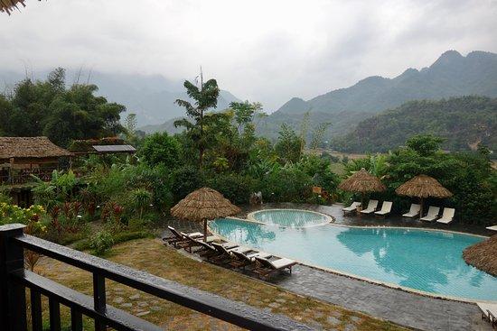 Mai Chau, Vietnam: Vista des del comedor.