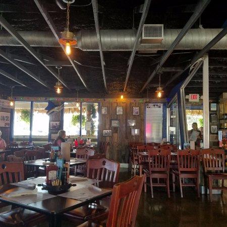 Dining room picture of walt 39 s fish market sarasota for Sarasota fish restaurants