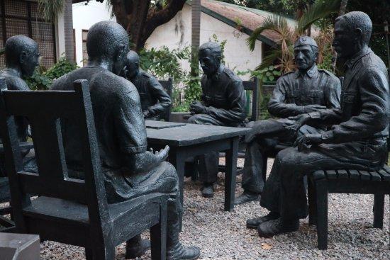 Balanga City, Philippines : View of the statue 2