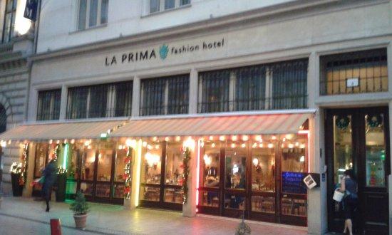 La Prima Fashion Hotel Photo